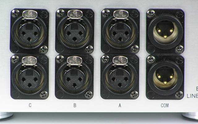 金属フレーム金メッキ仕様の入出力端子